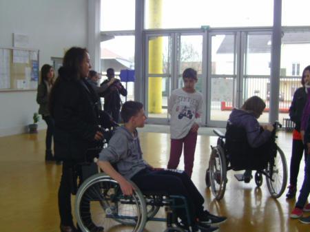 journée sensibilisation handicaps collège Paron